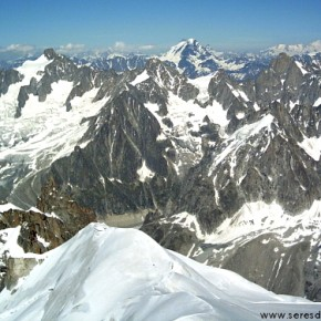 ASCENSION: Mont Blanc (4810 m) en los Alpes