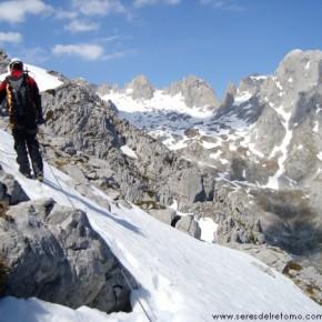 CORREDOR INVERNAL: Norte Pico Escamellau en Picos de Europa