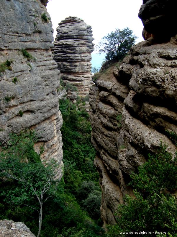 7- Bonitas formaciones rocosas en el descenso